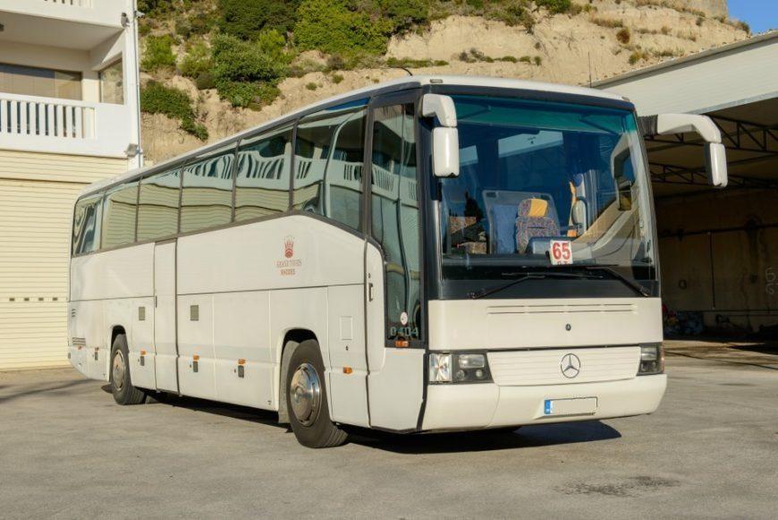 MERCEDES 404 WHITE – 51 SEATER